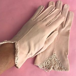 Vintage Accessories - Vintage light pink silk gloves